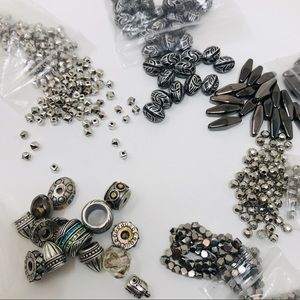 ASSORTED BEAD BUNDLE